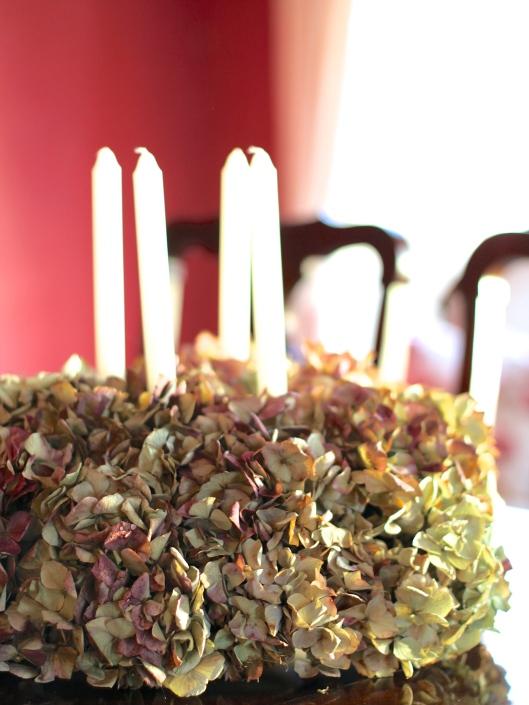 Dried-Hydrangea-Centrepiece