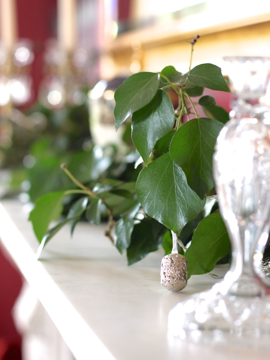 Ivy-On-A-Mantle