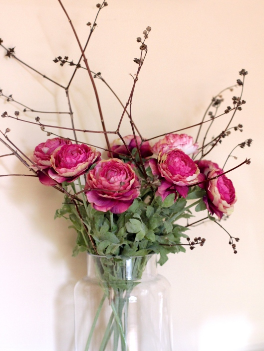 Pink-Ranuculus-and-Twigs